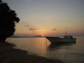 夕日と船1