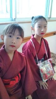 14:180:320:0:0:琉球舞踊の衣装で。:right:1:1:琉球舞踊:0: